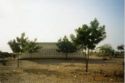 トゥルバ診療所2002.jpg
